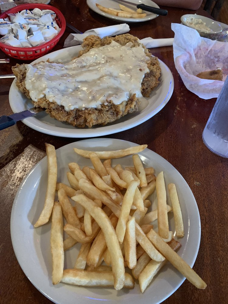 Bill & Rosa's Steakhouse: 7300 Country Rd 525, D'hanis, TX