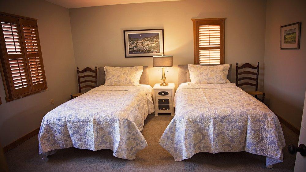 River Bluff Farm Bed and Breakfast: 183 Quicksburg Mill Ln, Quicksburg, VA