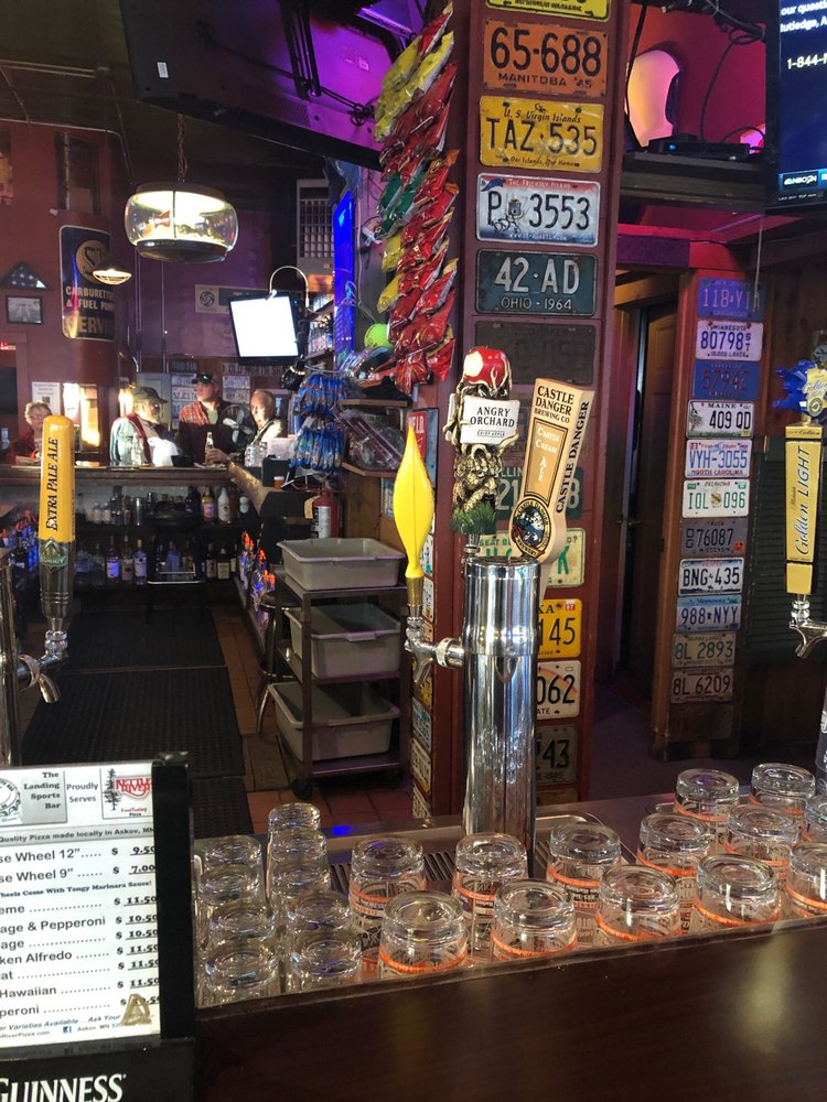Landing 61 Sports Bar: 629 7th Ave, Two Harbors, MN