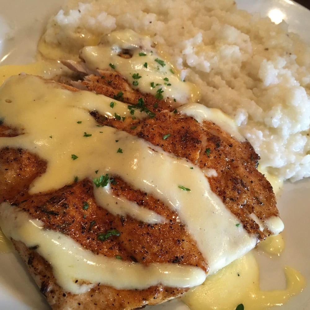 Hook Gulf Coast Cuisine: 133 Davis Ave, Pass Christian, MS