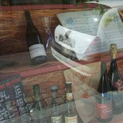 Les couleurs du vin bottle shop 47 cours richard for Salon du vin lyon