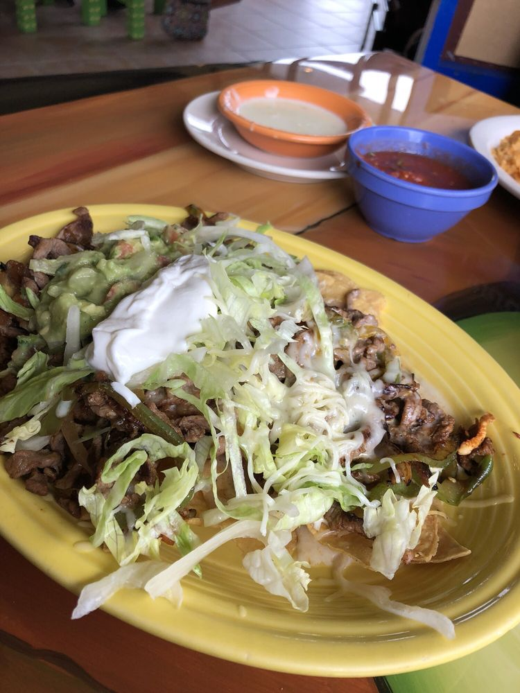 Sol Del Mar Mexican Bar and Grill: 105 W Southline Rd, Tuscola, IL