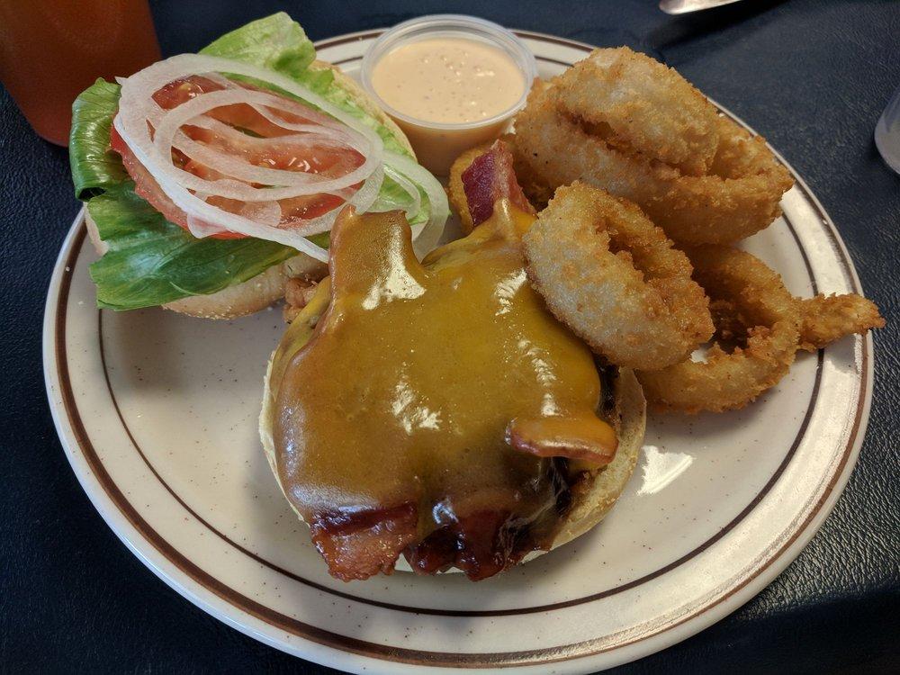Hometown Kitchen Family Restaurant: 18 Furance Rd, Quarryville, PA