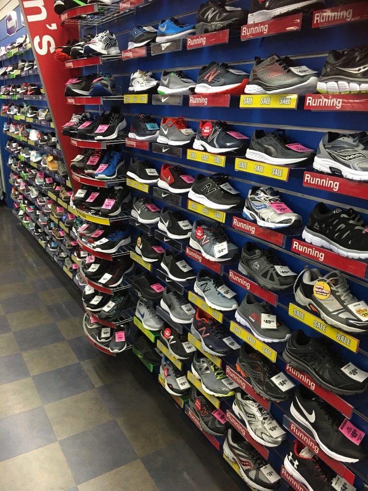 Big 5 Sporting Goods: 15254 Rosecrans Ave, La Mirada, CA