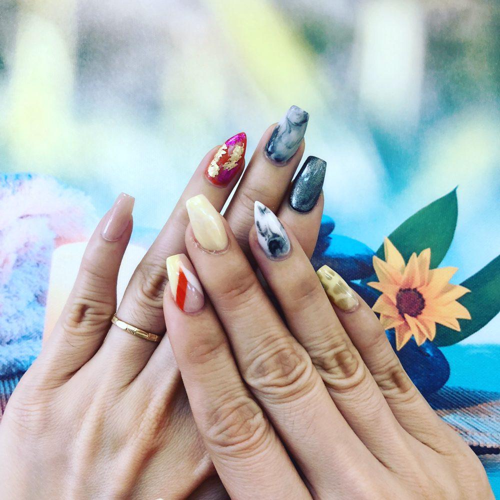 RIC Nails & Spa