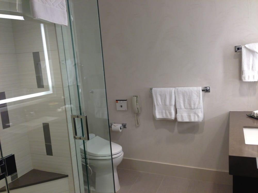 Hilton Hawaiian Village Waikiki Beach Photo Gallery: Bath 2 With Butt Washing Toilets . Ali'i Tower Suites