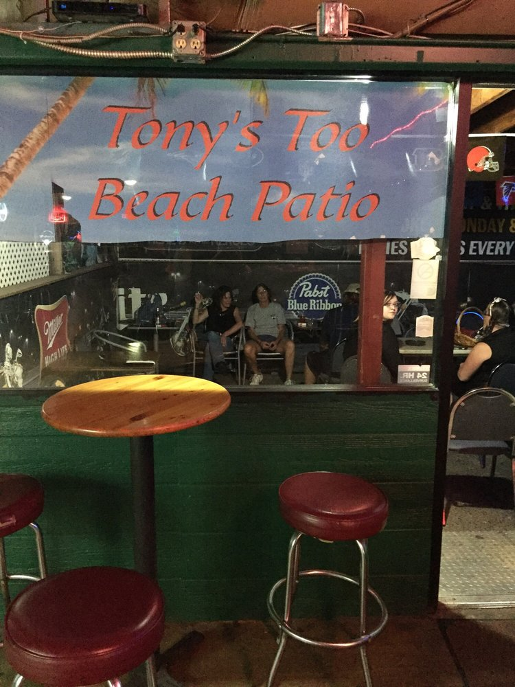 Tony's Too Bar & Grill: 8172 E Long Mesa Dr, Prescott Valley, AZ
