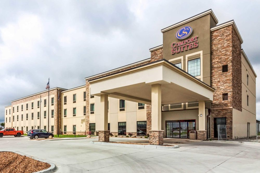 Comfort Suites University: 929 25th Ave, Brookings, SD