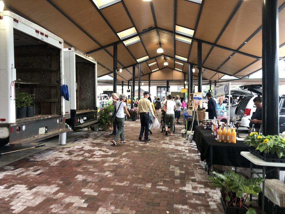 St Paul Farmers' Market: 290 5th St E, Saint Paul, MN