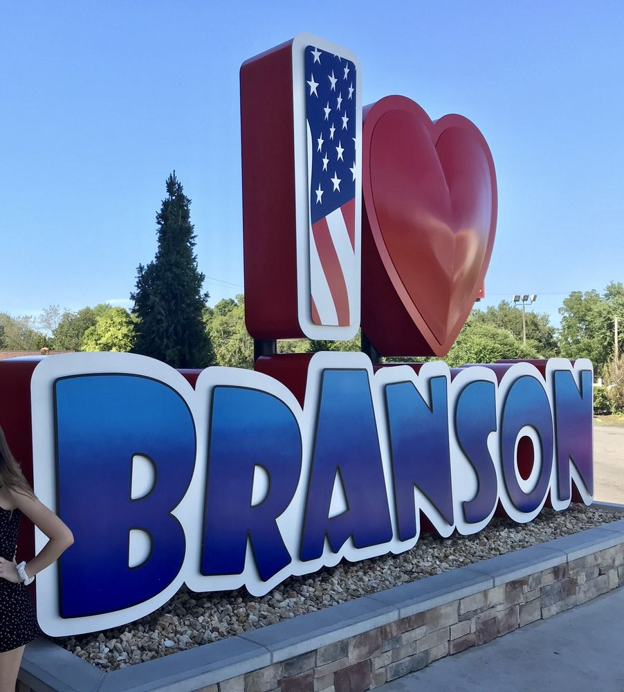 Branson Welcome Center: 122 Skyview Dr, Branson, MO