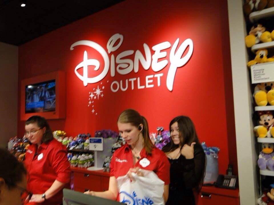 Disney Store: 10600 Quil Ceda Blvd, Tulalip, WA