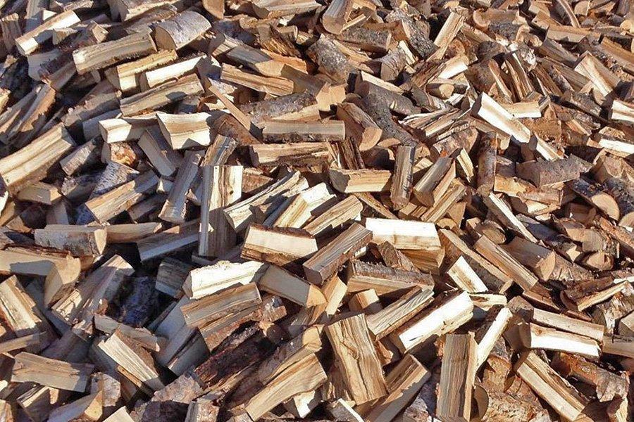 Holiday Firewood: 775 W Mariposa St, Altadena, CA
