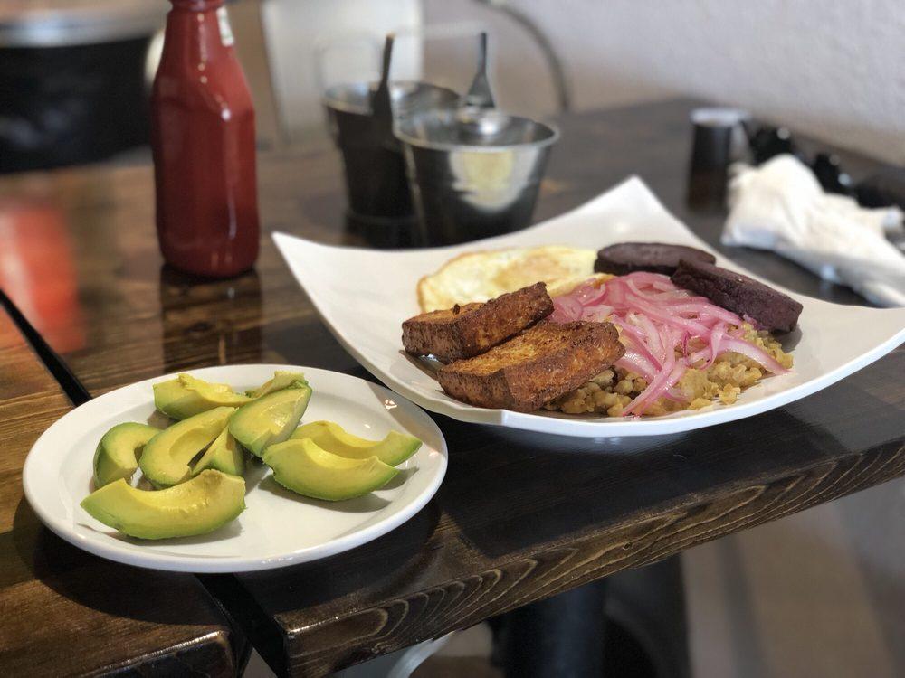 Delicious by Aldu Dominican Cuisine: 235 E Warner Rd, Gilbert, AZ