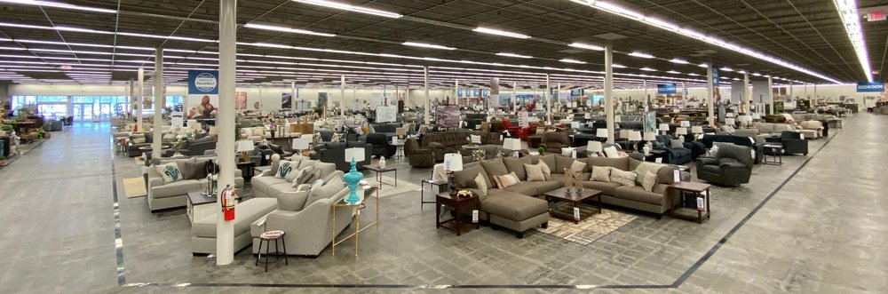 Pruitt's Furniture: 7550 AZ-69, Prescott Valley, AZ