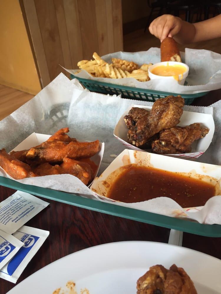 Joes Famous Wings & Wieners