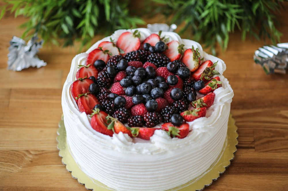 Mr Baker Bakery & Cafe: 2445 E Imperial Hwy, Brea, CA