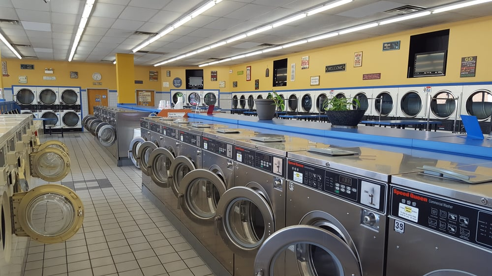 Archer Central Coin Laundry: 5885 S Archer Ave, Chicago, IL