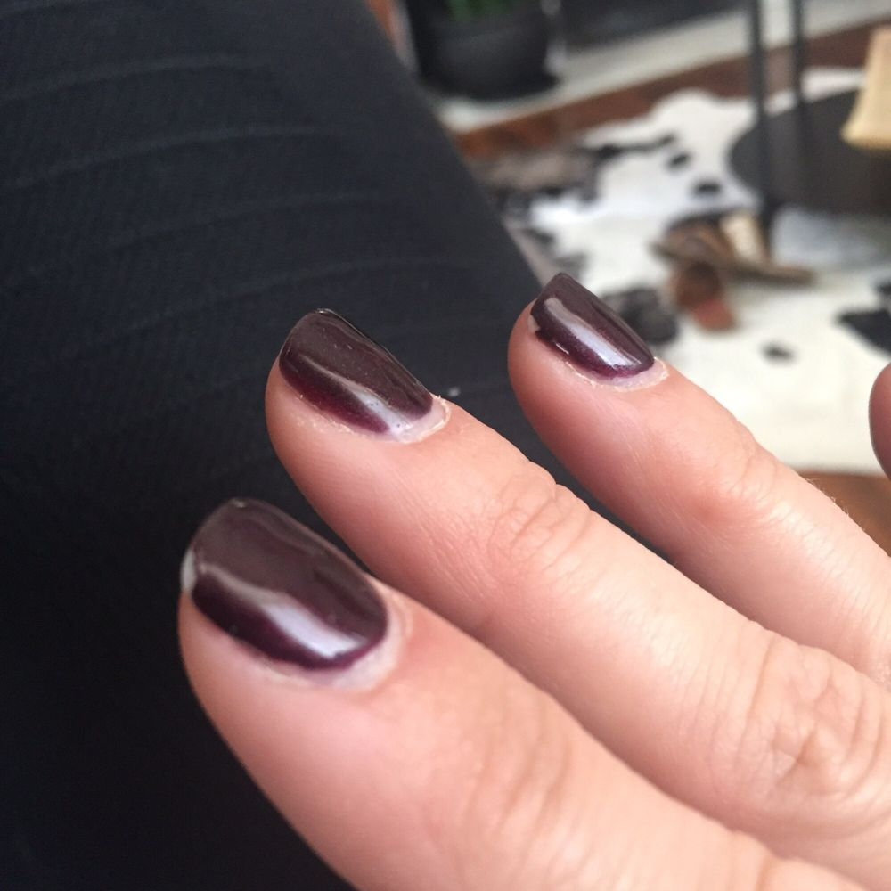 6 Days After Getting My Nails Done With Shellac And 5 After They Quot Fixed It Quot Chipped Again
