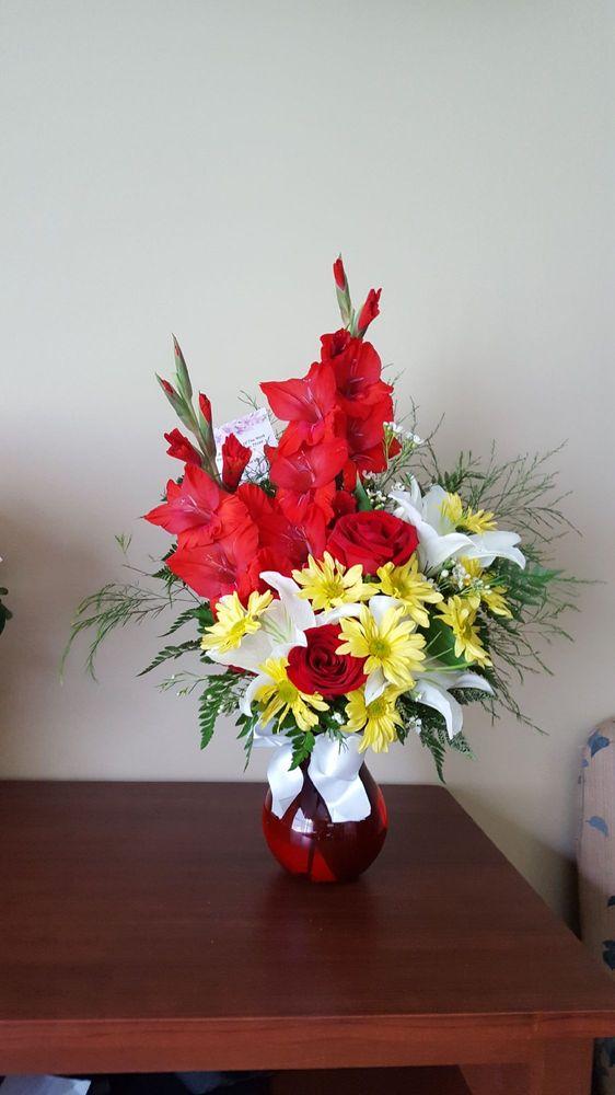 Douglas White Florists: 808 Trotwood Ave, Columbia, TN