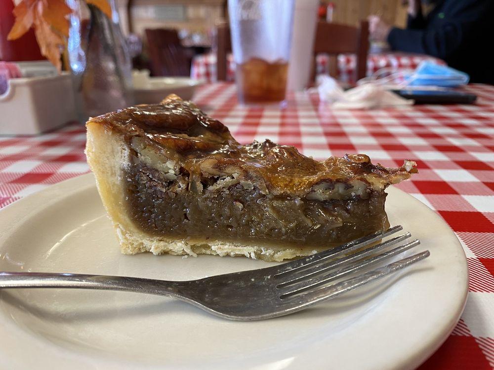 Jerry's Restaurant: 14597 Hwy 190 W, Onalaska, TX