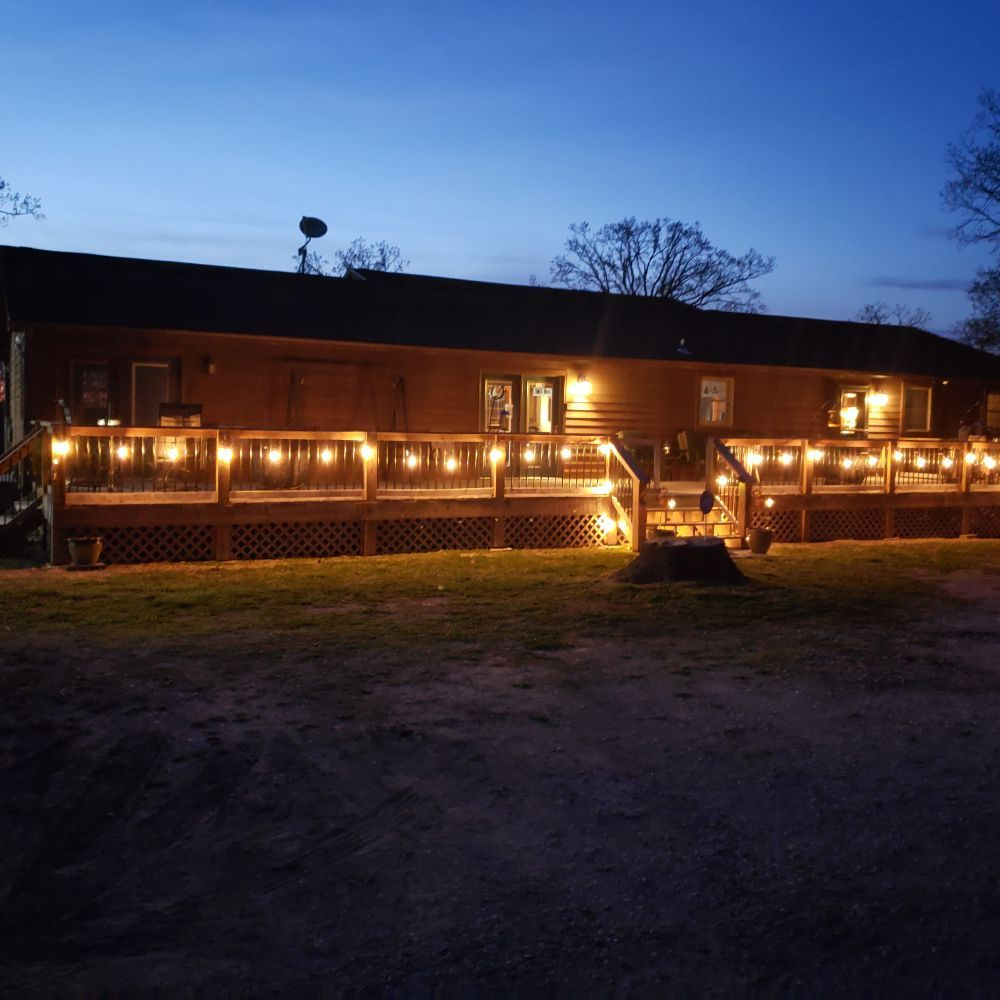 Big Country Bed and Breakfast: 15960 Highway O, Gravois Mills, MO