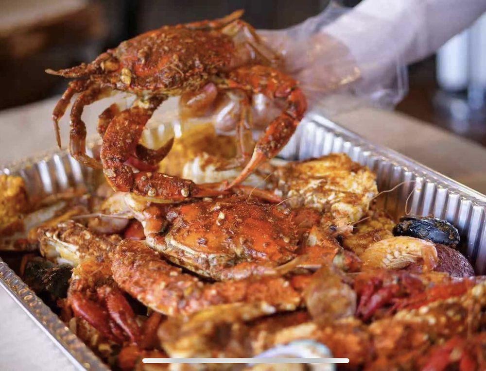 Old Captain Juicy Seafood & Bar: 6401 Bluebonnet Blvd, Baton Rouge, LA