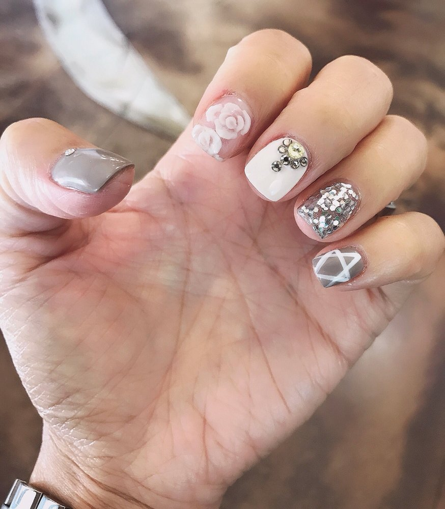 Roseville Nail Salon Gift Cards - California | Giftly