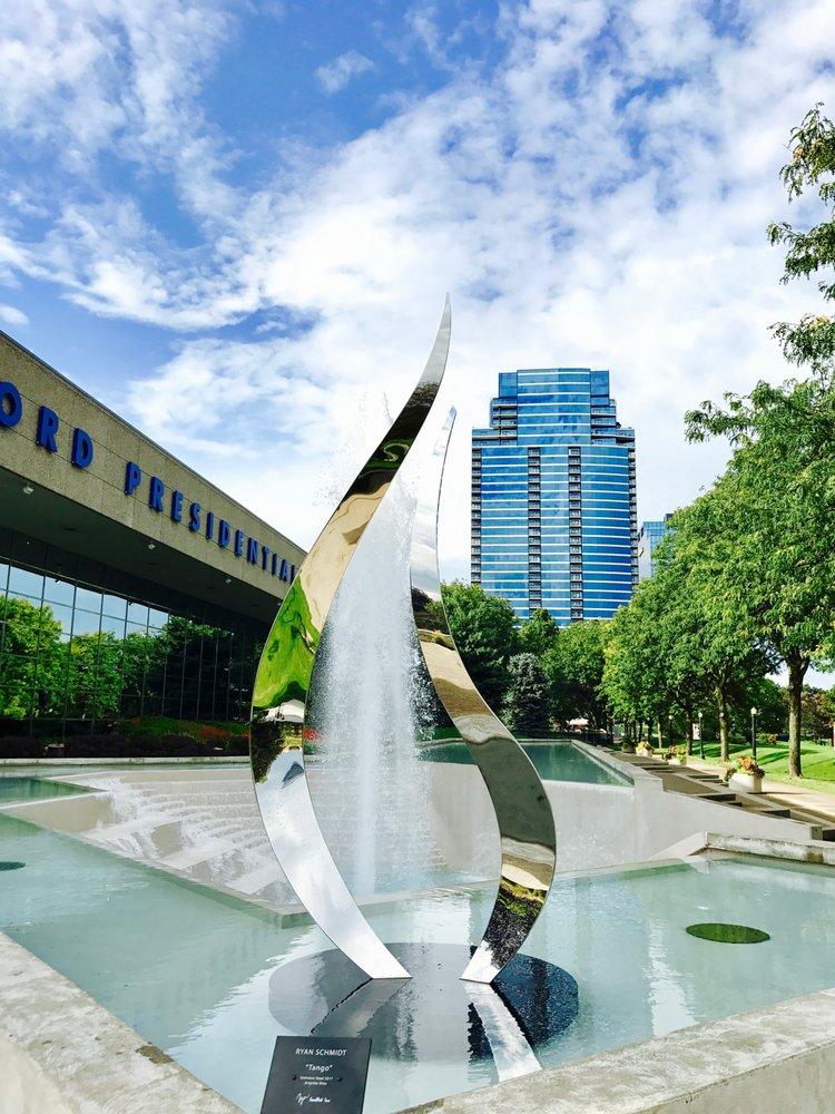 SoulArt Inc. Stainless Steel SCulptures: 1222 C Airlane Dr, Benton, AR