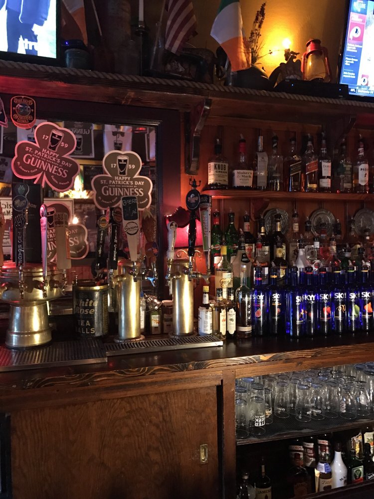 O'Connor's Public House: 26 E Main St, Torrington, CT