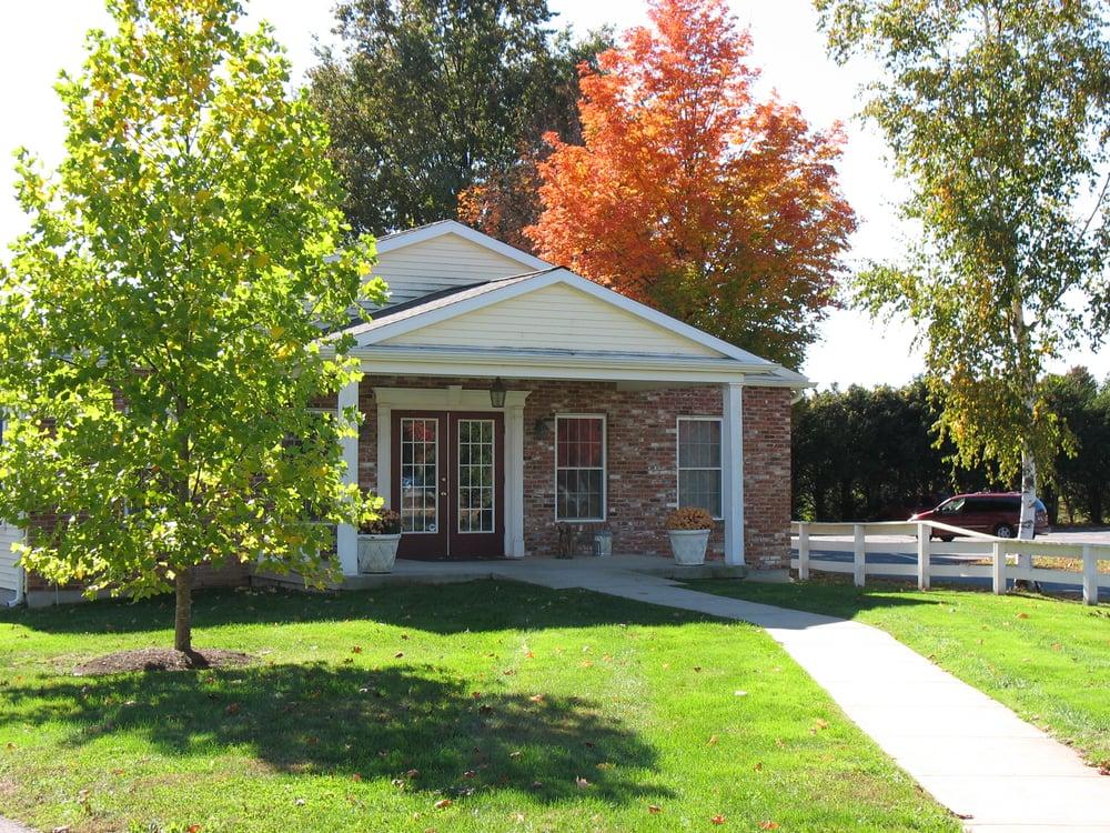 Ellington Center Animal Clinic P C: 64 Main St, Ellington, CT
