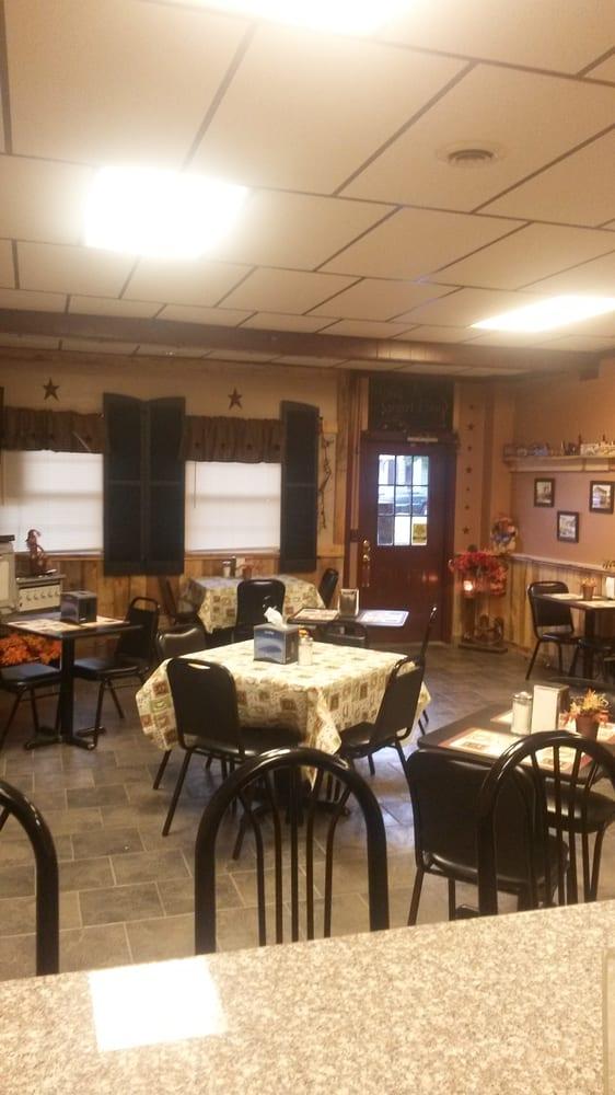 CoalTown Diner: 30 S Market St, Shamokin, PA