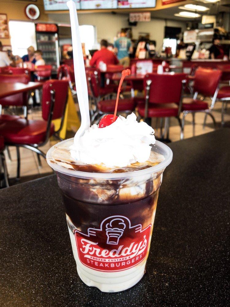 Freddy's Frozen Custard & Steakburgers: 4641 Frederica St, Owensboro, KY