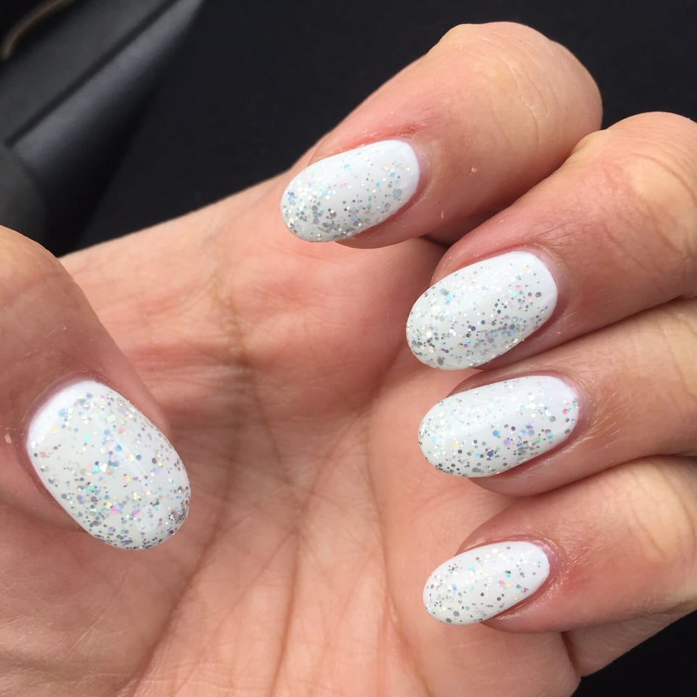 Lynn always does awesome work opi gel in alpine white for 4 seasons nail salon