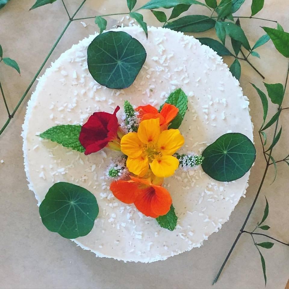 Custom Raw Vegan Gf Birthday Cake Heavenly Coconut With Fresh