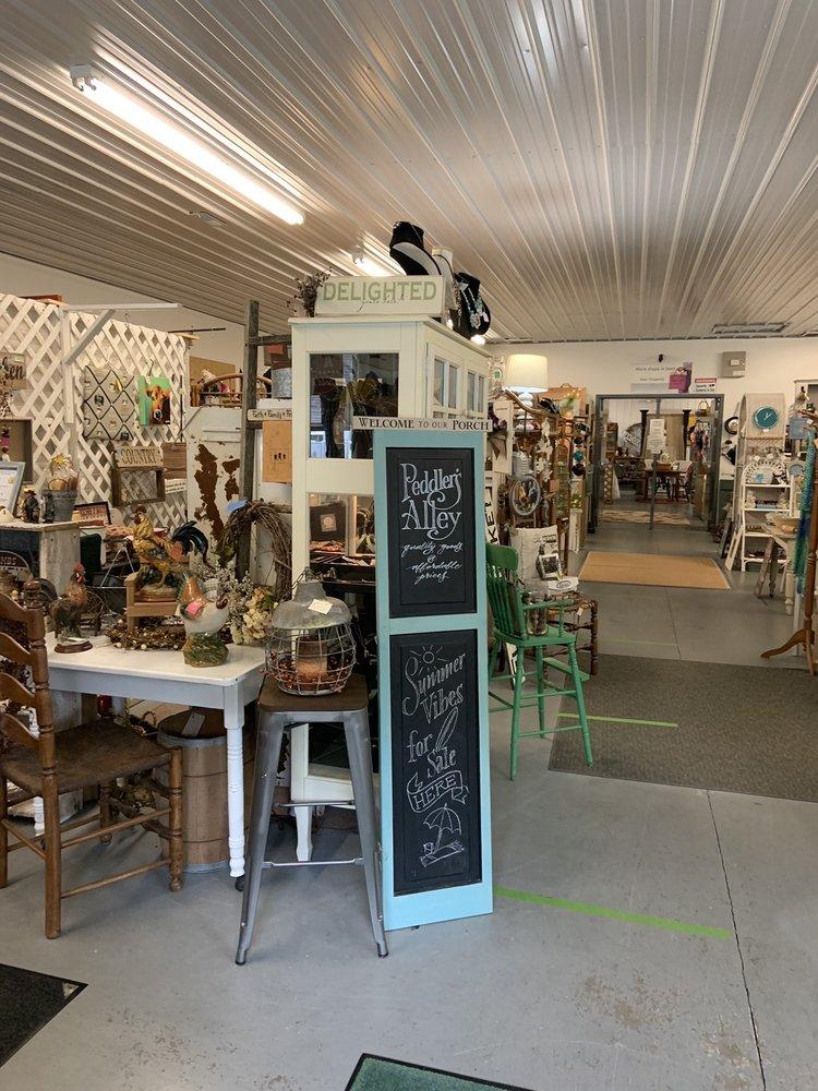 Peddler's Alley: 31089 Dupont Blvd, Dagsboro, DE