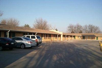 Grand Motel: 201 E J St, Hastings, NE