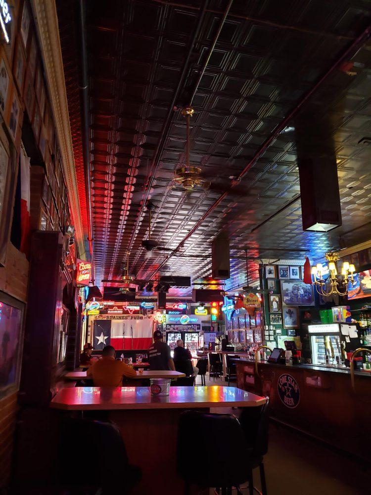 Blaine's Pub: 10 W Harris Ave, San Angelo, TX