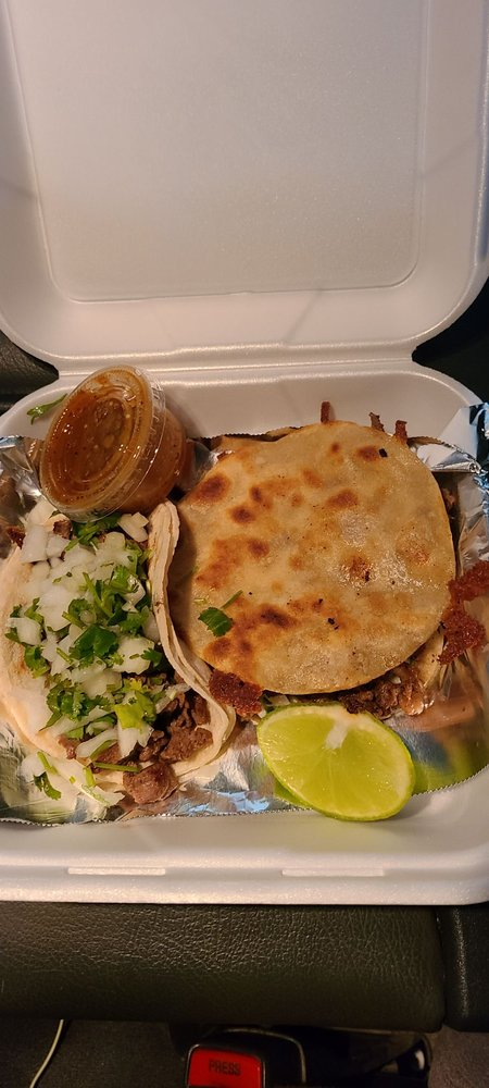 Glenn's Taqueria: 305 S Edwards St, Independence, CA