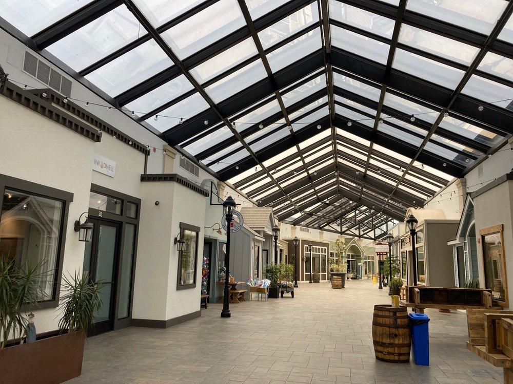 Shoppes at Harbor Village: 270 Capistrano Rd, Half Moon Bay, CA