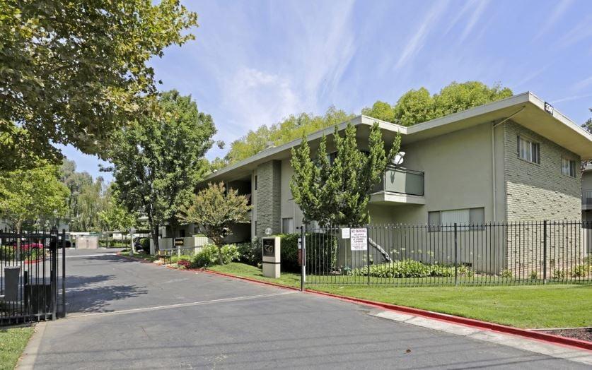 Country Club Gardens: 3347 Cottage Way, Sacramento, CA