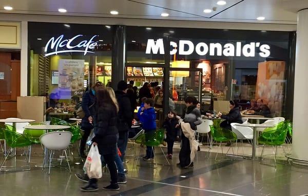 Via Carlo Amoretti 20026 Novate Milanese Milano.Mcdonald S Fast Food Via Carlo Amoretti Novate Milanese