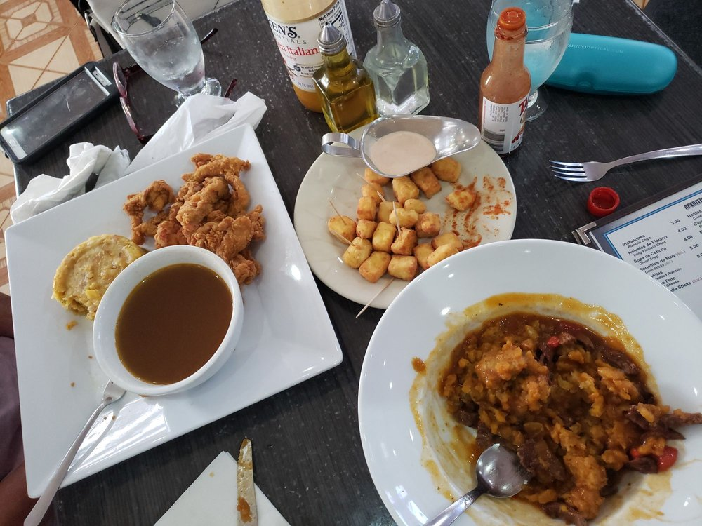 Grandma Restaurant: Carretera Núm. 2 km 135.5, Aguada, PR