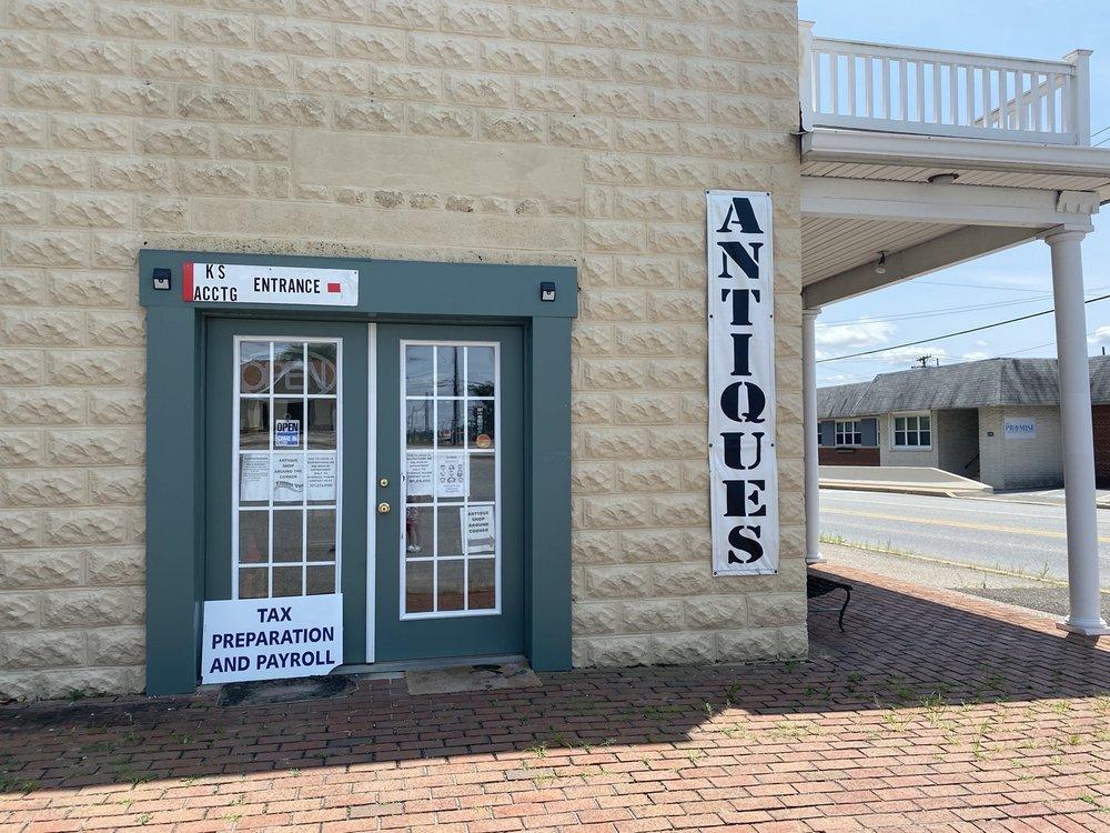 Remembrances Antiques: 8394 Leonardtown Rd, Hughesville, MD