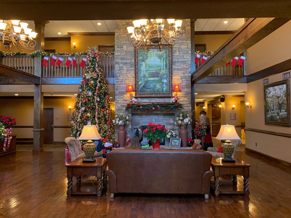 Mountain Lodge & Conference Center: 42 McMurray Rd, Flat Rock, NC