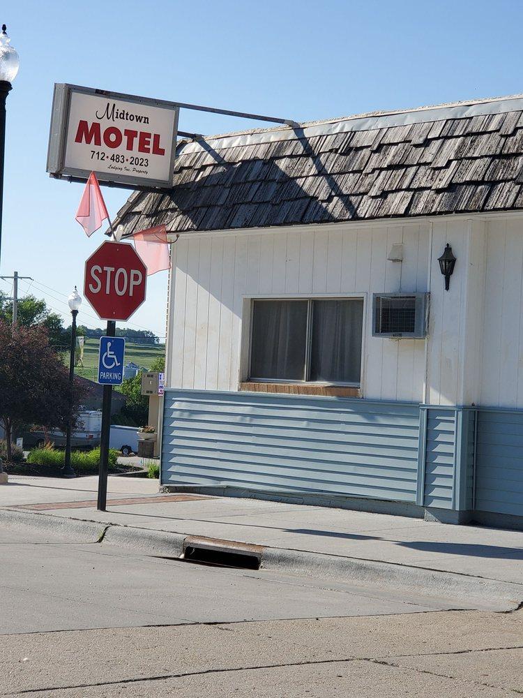 Minden Midtown Motel: 205 Broadway St, Minden, IA