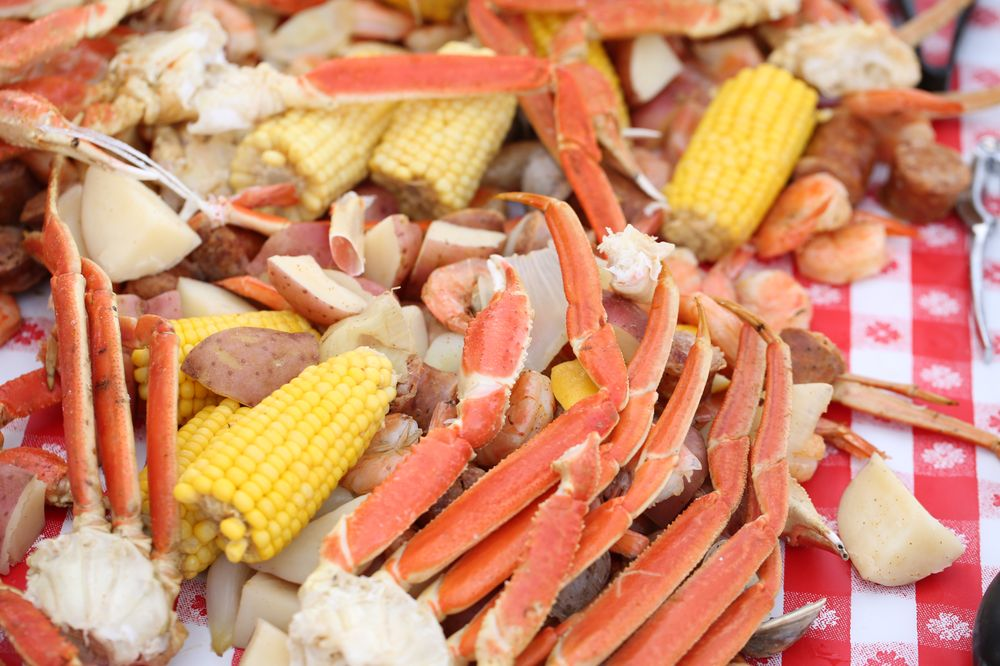 Cape Fear Boil Company: 1140 N Lake Park Blvd, Carolina Beach, NC