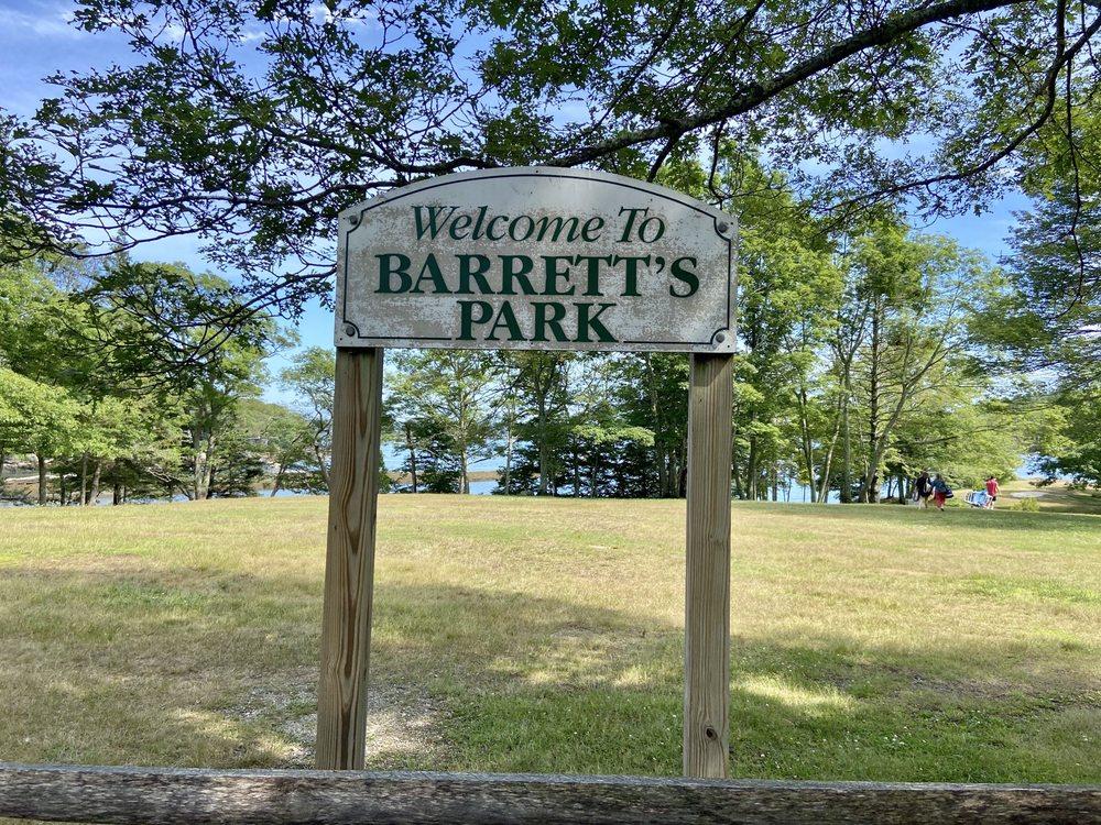 Barrett Park: Lobster Cove Rd, Boothbay Harbor, ME