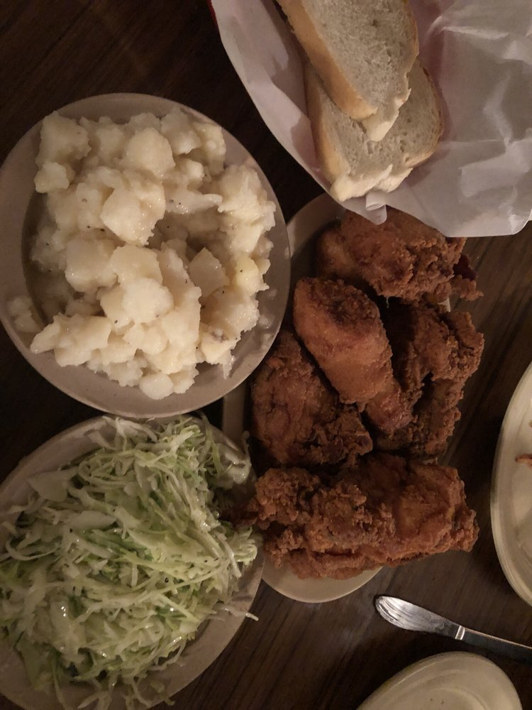 Pichler's Chicken Annie's: 1271 S 220th St, Pittsburg, KS