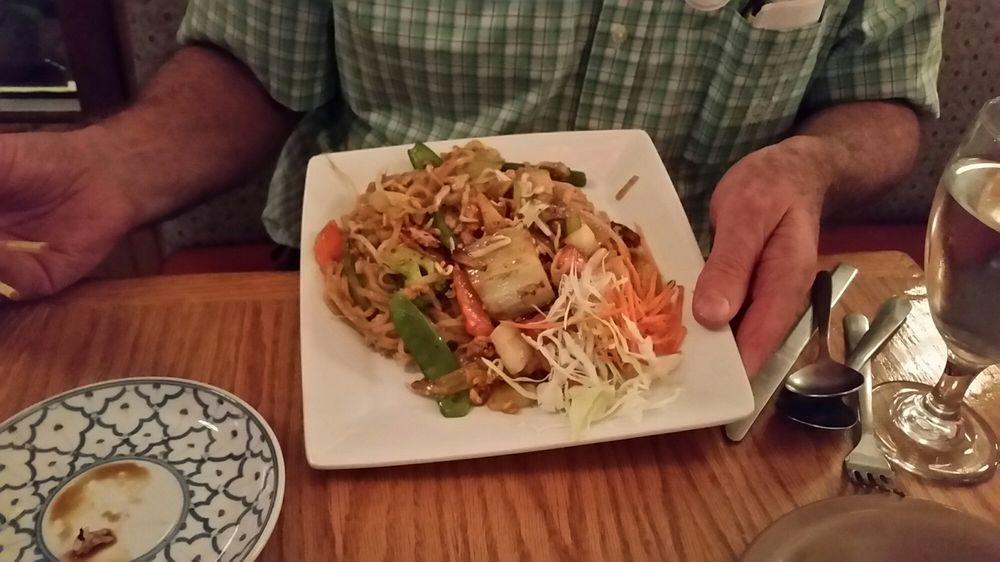 Pad thai 22 yelp for 22 thai cuisine yelp