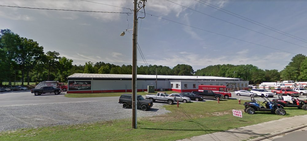 Buddy Isles Tire and Automotive: 231 US Hwy 158, Littleton, NC